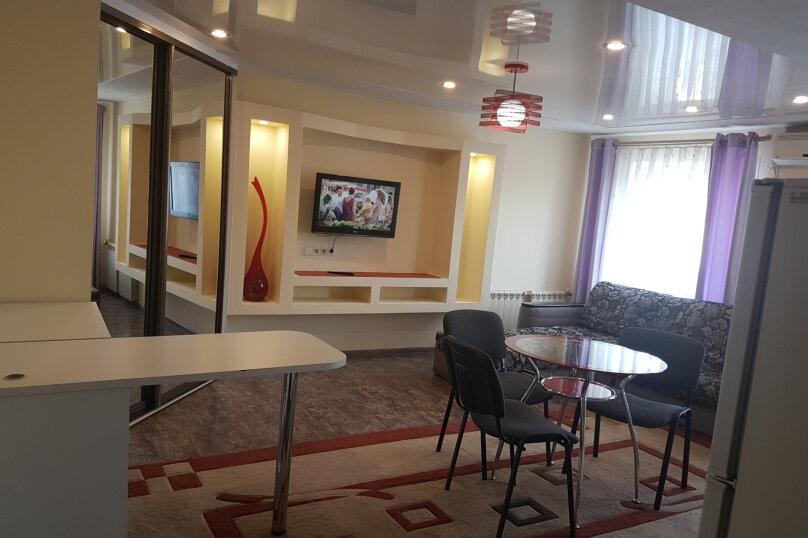 2-комн. квартира, 42 кв.м. на 2 человека, проспект 100-летия Владивостока, 45, Владивосток - Фотография 12