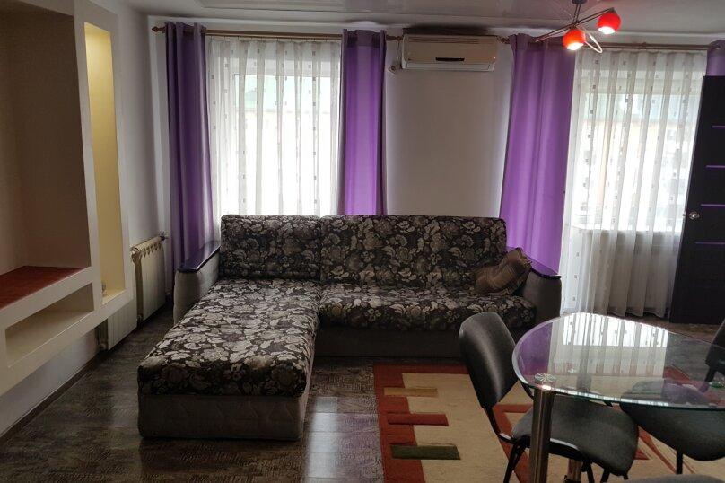 2-комн. квартира, 42 кв.м. на 2 человека, проспект 100-летия Владивостока, 45, Владивосток - Фотография 14