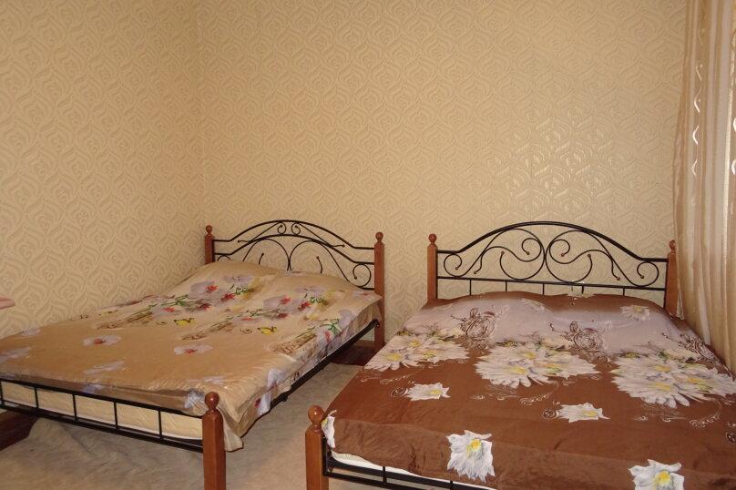 Комната  на 4 человека, 2-й переулок Пивзаводской Улицы, 17, Сухум - Фотография 1