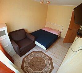 Апартаменты двухкомнатные с кухней , 40 кв.м. на 5 человек, 2 спальни, улица Толстого, 45Б, Геленджик - Фотография 1
