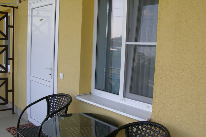 Четырехместный Семейный люкс с видом на бассейн № 22 (Лилия), Школьная, 64, Ильич - Фотография 1