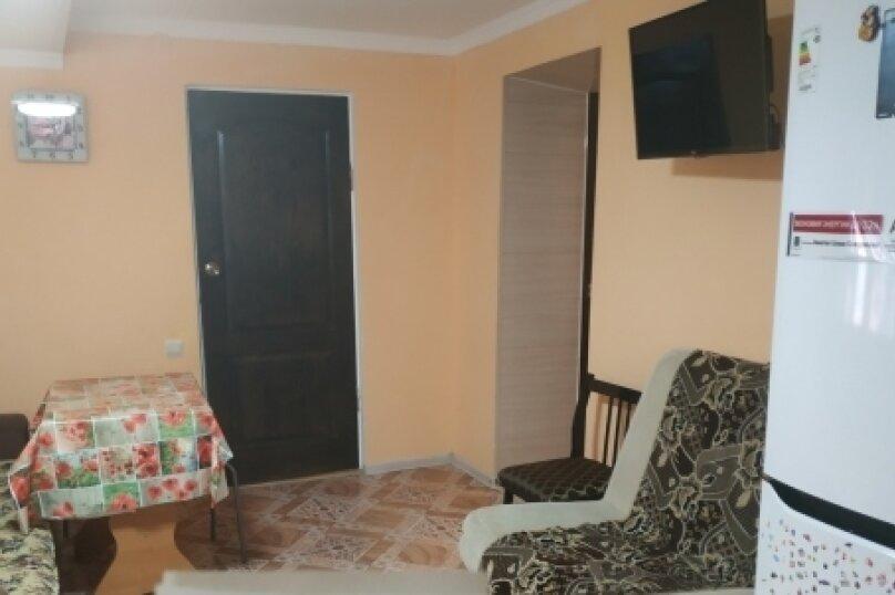 Сдам собственный загородный дом у моря!, 80 кв.м. на 10 человек, 3 спальни, Первомайская улица, 78, Молочное - Фотография 11