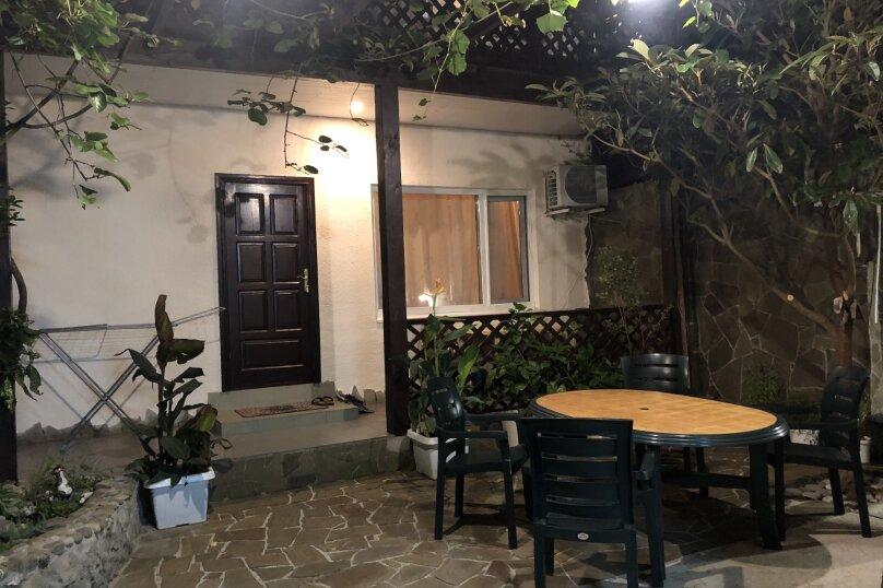 """Гостевой дом """"На Красномаякской 6"""", Красномаякская улица, 6 на 2 комнаты - Фотография 2"""