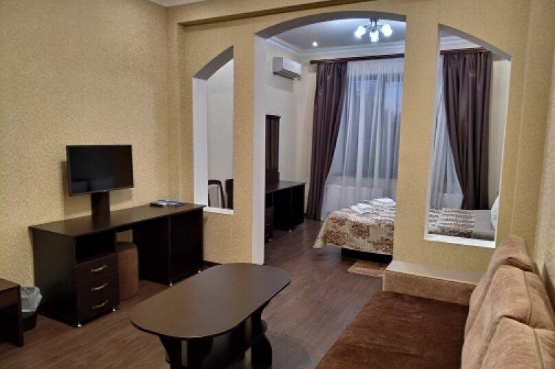 """Отель """"Ялос"""", улица 51-й Армии, 105Б на 9 номеров - Фотография 55"""