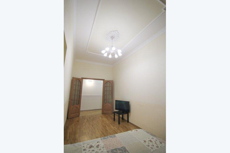 4-комн. квартира, 140 кв.м. на 12 человек, набережная канала Грибоедова, 14, Санкт-Петербург - Фотография 3