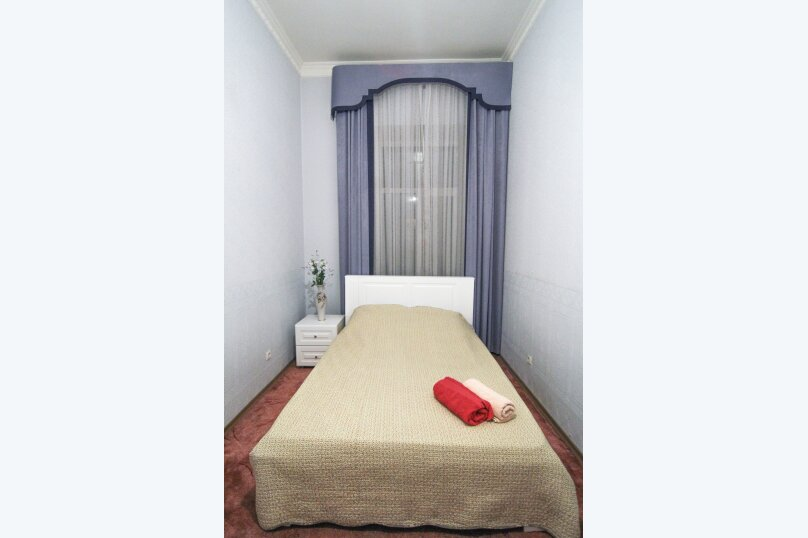 4-комн. квартира, 140 кв.м. на 12 человек, набережная канала Грибоедова, 14, Санкт-Петербург - Фотография 12