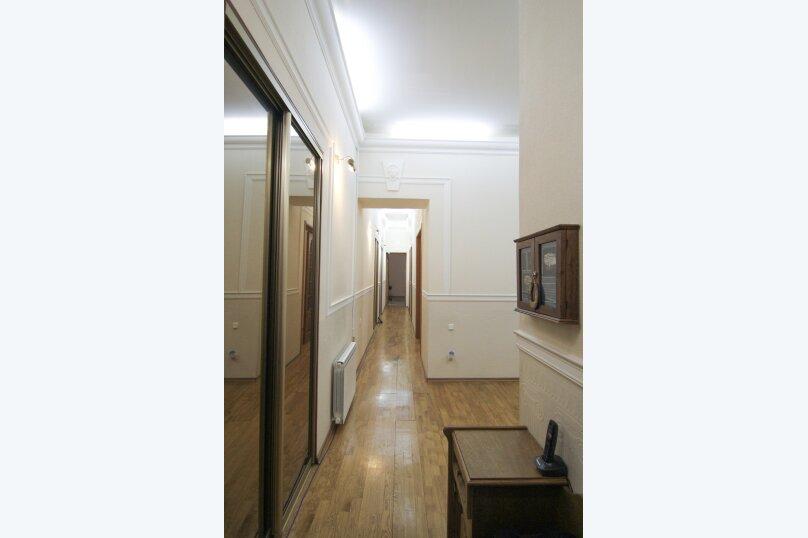 4-комн. квартира, 140 кв.м. на 12 человек, набережная канала Грибоедова, 14, Санкт-Петербург - Фотография 13