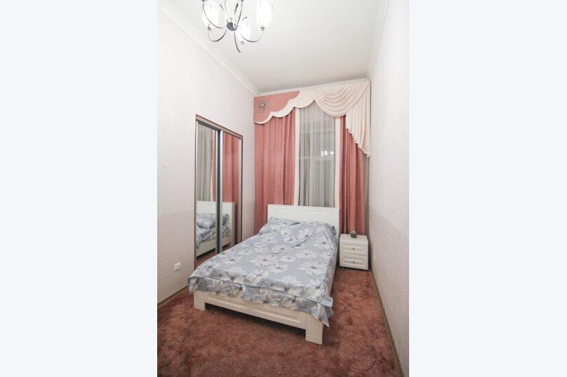 4-комн. квартира, 140 кв.м. на 12 человек, набережная канала Грибоедова, 14, Санкт-Петербург - Фотография 17