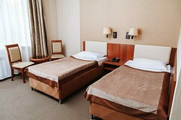 Гостиница У Жан Клода Ван Лава, Свердлова, 1 на 2 номера - Фотография 1