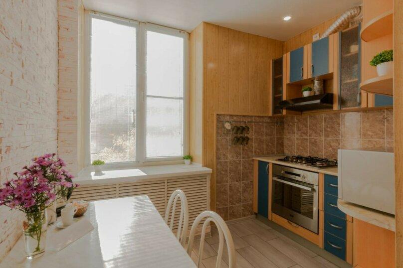 2-комн. квартира, 51 кв.м. на 4 человека, улица Гагарина, 16, Волгоград - Фотография 11