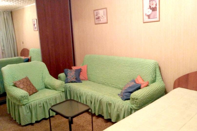 1-комн. квартира, 32 кв.м. на 4 человека, улица Пермякова, 56, Тюмень - Фотография 10