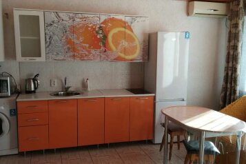 2-комн. квартира, 45 кв.м. на 4 человека, Ленина, 106, Судак - Фотография 1