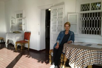 "Гостиница ""Рандеву"", улица Танкистов, 28 на 8 комнат - Фотография 1"