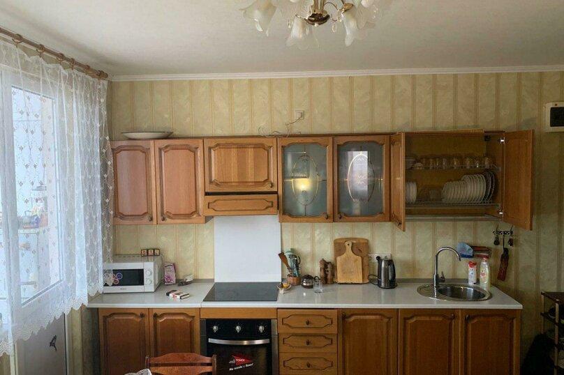 Квартира, Енисейская улица, 23 на 1 комнату - Фотография 1