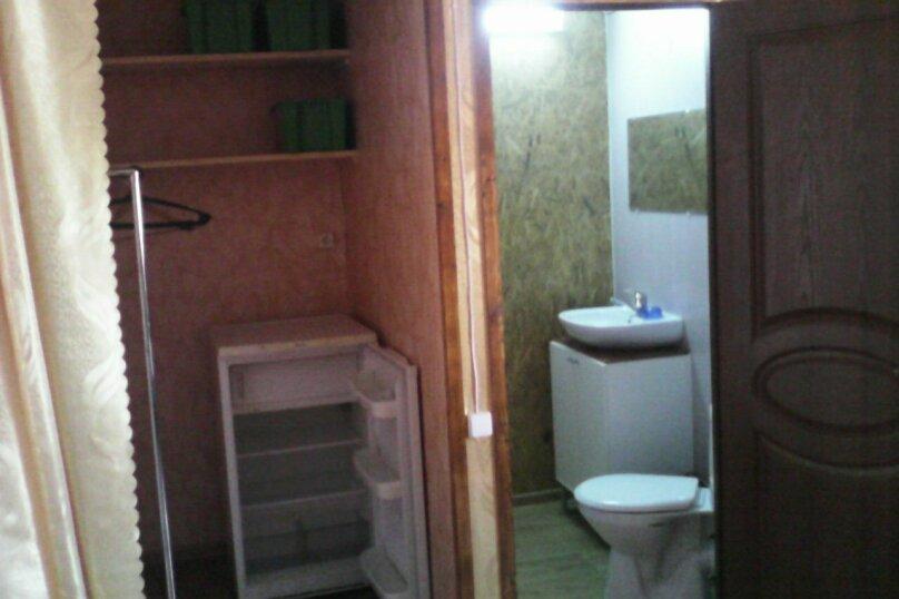 Четырех-местный номер на втором этаже(Золотой), Набережная, 12 а, село Курортное - Фотография 2