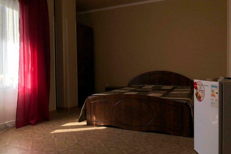 """Гостевой дом """"Платан"""", улица Агрба, 21/2 на 8 комнат - Фотография 24"""