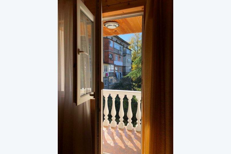 """Гостевой дом """"Платан"""", улица Агрба, 21/2 на 8 комнат - Фотография 27"""