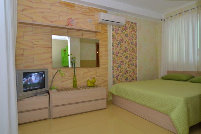 "1-комнатный номер ""Канары"", улица Бедненко, 57, Рыбачье - Фотография 3"