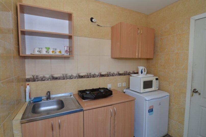 "1-комнатный номер ""Канары"", улица Бедненко, 57, Рыбачье - Фотография 8"