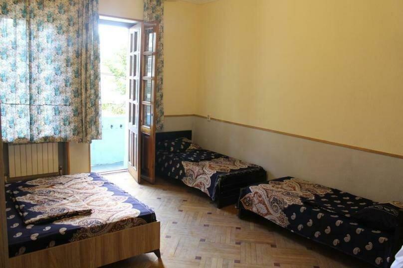 4-6  местный номер, проспект Петра Меликишвили, 6, Тбилиси - Фотография 1