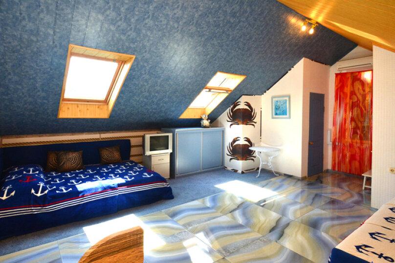 """1-комнатный """"Морской"""", улица Бедненко, 57, Рыбачье - Фотография 1"""