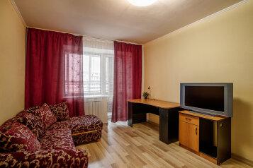 1-комн. квартира, 38 кв.м. на 4 человека, улица Чапаева, 72А, Екатеринбург - Фотография 1