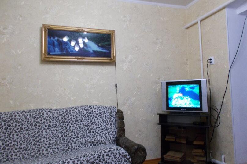 Пол дома под ключ, 37 кв.м. на 5 человек, 2 спальни, Ростовская улица, 219, Ейск - Фотография 15