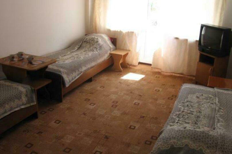 Бюджетный трехместный номер, улица Богдана Хмельницкого, 13А, Адлер - Фотография 1