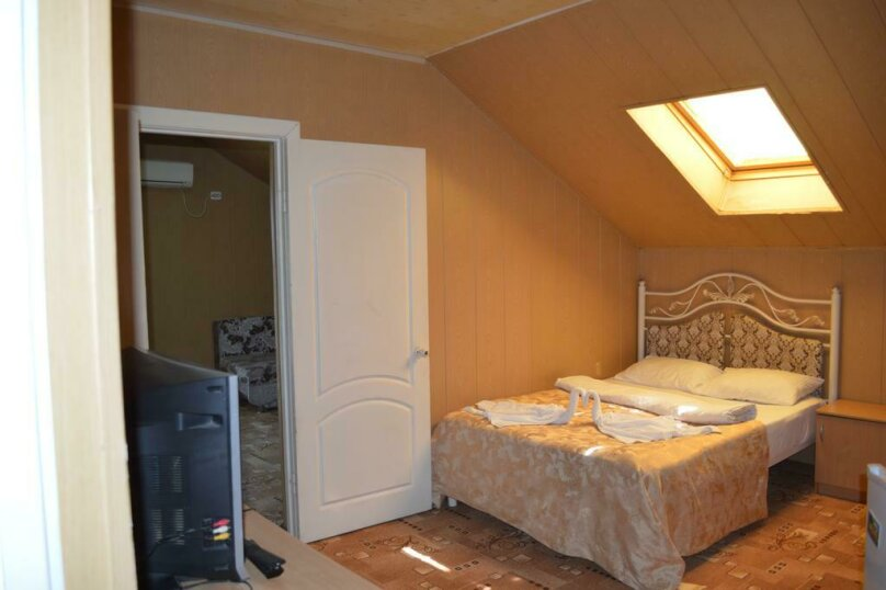 2х комнатный , Таврическая улица, 1В, Сочи - Фотография 1