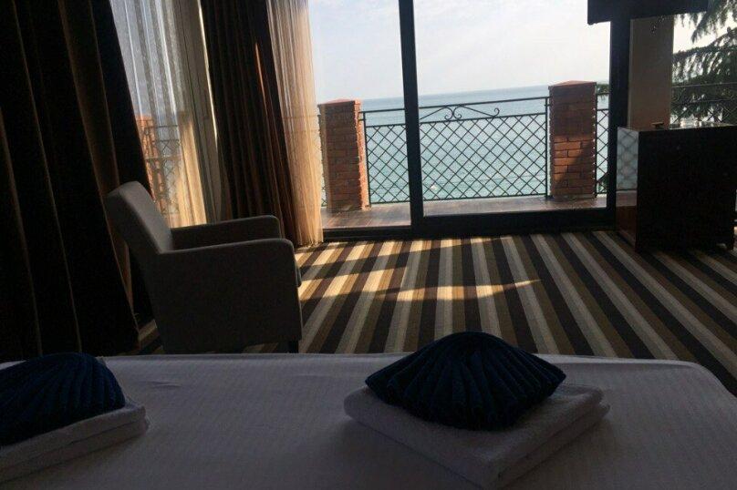 Отель «Афон black sea» , улица Лакоба, 14Б на 47 номеров - Фотография 9