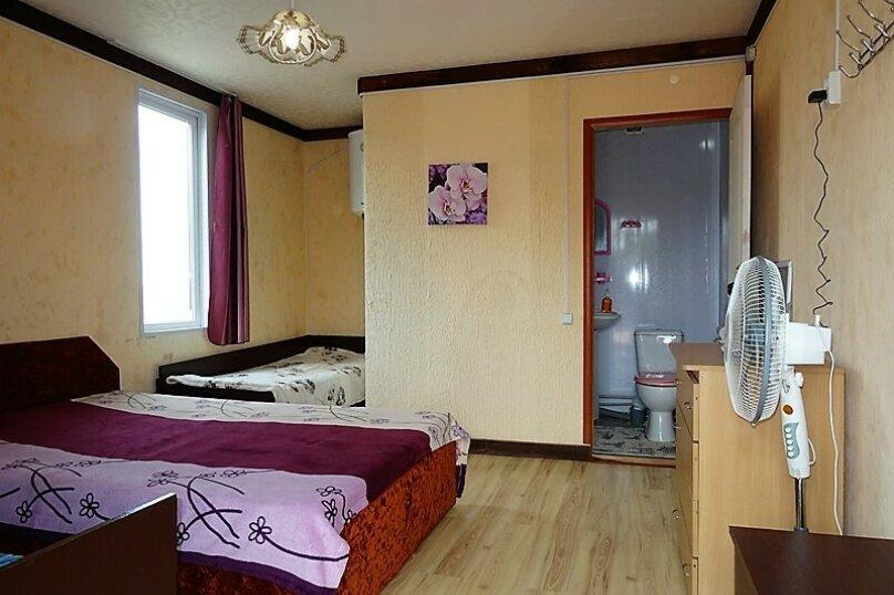 Комфорт трёхместный , Сосновая, 12, село Прибрежное (Евпатория) - Фотография 1