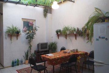 Номера эконом-класса, улица Чкалова, 15 на 8 комнат - Фотография 1