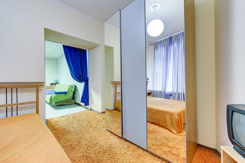 2-комн. квартира, 45 кв.м. на 4 человека, набережная канала Грибоедова, 33, Санкт-Петербург - Фотография 12
