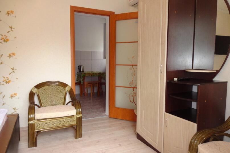 Люкс №3 на 1-м этаже с кухней, квартал Миндальный, 21, Новый Свет, Судак - Фотография 3