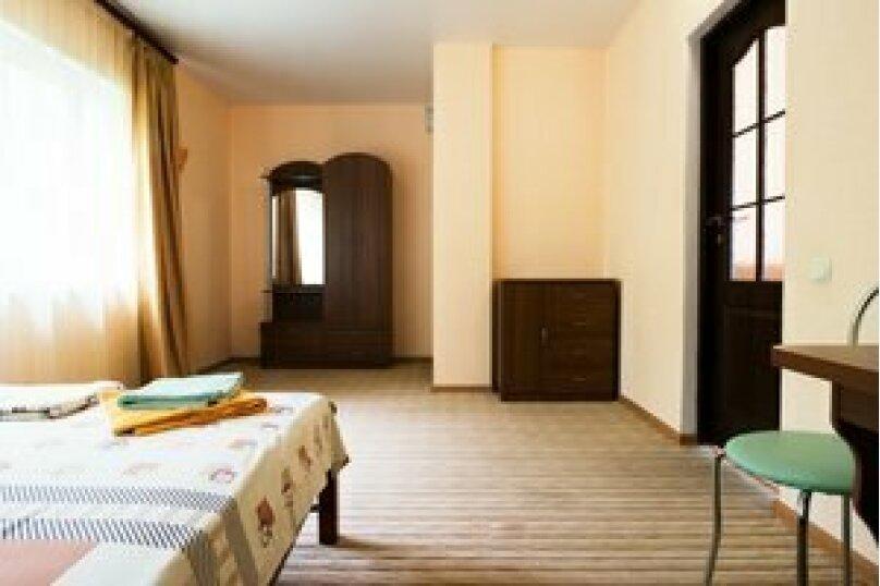 Семейный 2-комнатный 4-местный с балконом на море, Виноградная улица, 1Д, Малореченское - Фотография 2