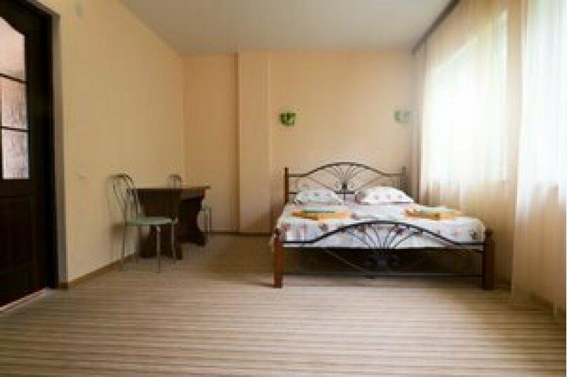 Семейный 2-комнатный 4-местный с балконом на море, Виноградная улица, 1Д, Малореченское - Фотография 3