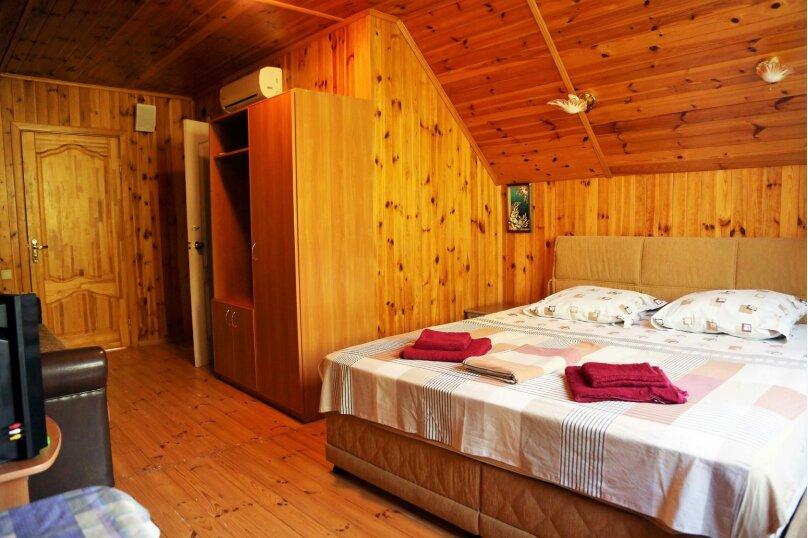 Семейный 2-комнатный 4-местный с балконом на море, Виноградная улица, 1Д, Малореченское - Фотография 5