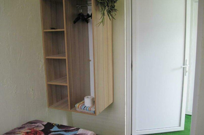 Двухместный номер эконом-класса с 2 отдельными кроватями и общей ванной комнатой, п. Молочный, б/н, Пицунда - Фотография 2