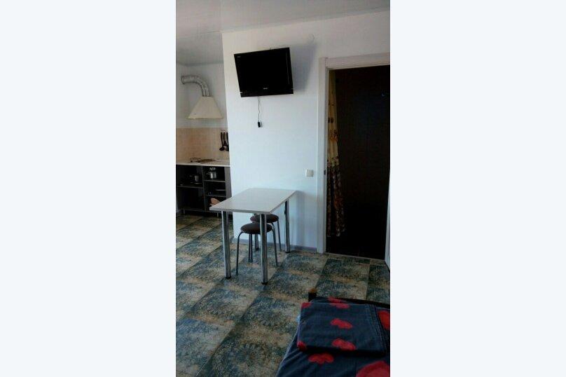 """Гостевой дом """"На 8 Марта 3"""", улица 8-го Марта, 3 на 3 комнаты - Фотография 14"""