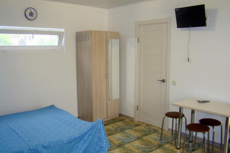"""Гостевой дом """"На 8 Марта 3"""", улица 8-го Марта, 3 на 3 комнаты - Фотография 24"""