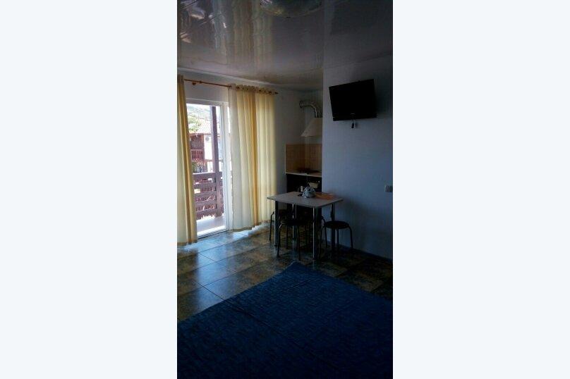 """Гостевой дом """"На 8 Марта 3"""", улица 8-го Марта, 3 на 3 комнаты - Фотография 26"""