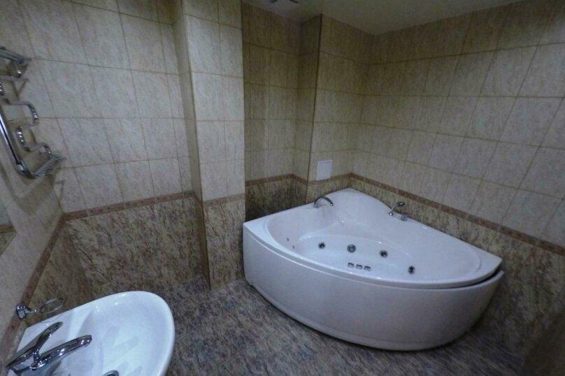 апартаменты 412  3х комнатные 4х местные, улица Когония, 63, Сухум - Фотография 2