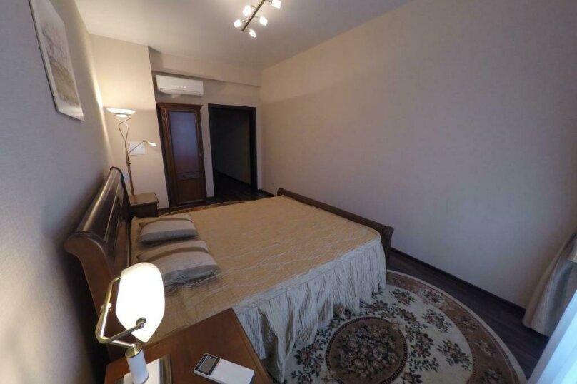апартаменты 412  3х комнатные 4х местные, улица Когония, 63, Сухум - Фотография 4