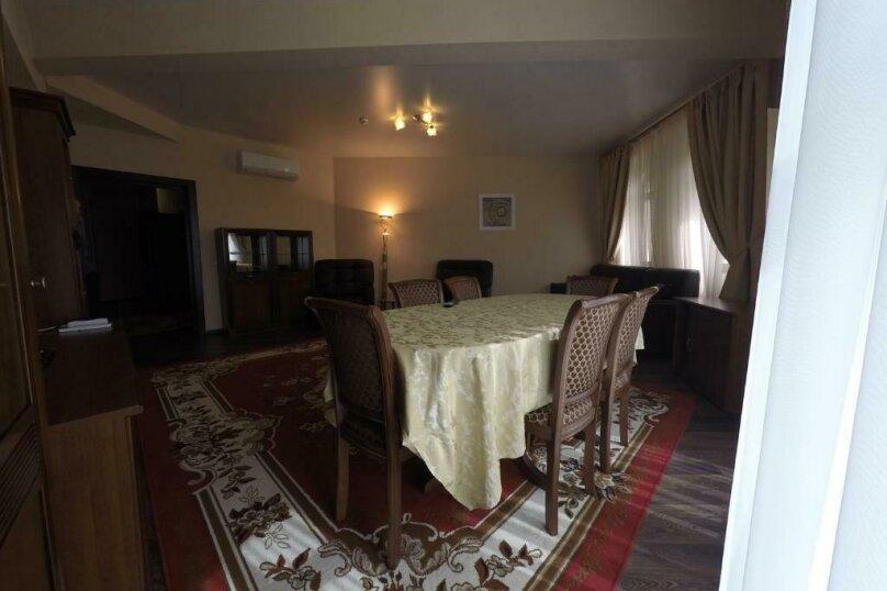 апартаменты 412  3х комнатные 4х местные, улица Когония, 63, Сухум - Фотография 5