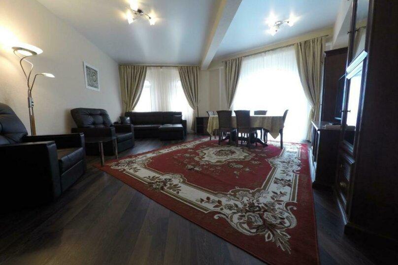 апартаменты 412  3х комнатные 4х местные, улица Когония, 63, Сухум - Фотография 7