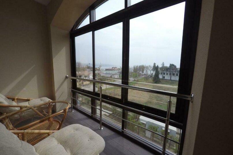 апартаменты 412  3х комнатные 4х местные, улица Когония, 63, Сухум - Фотография 8
