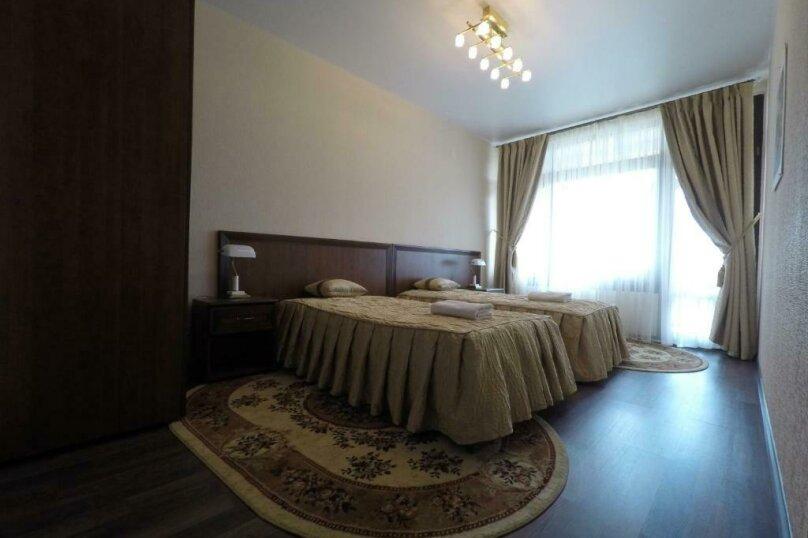 апартаменты 412  3х комнатные 4х местные, улица Когония, 63, Сухум - Фотография 9