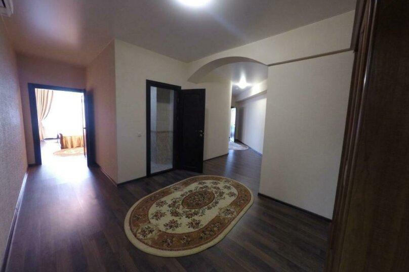 апартаменты 412  3х комнатные 4х местные, улица Когония, 63, Сухум - Фотография 10