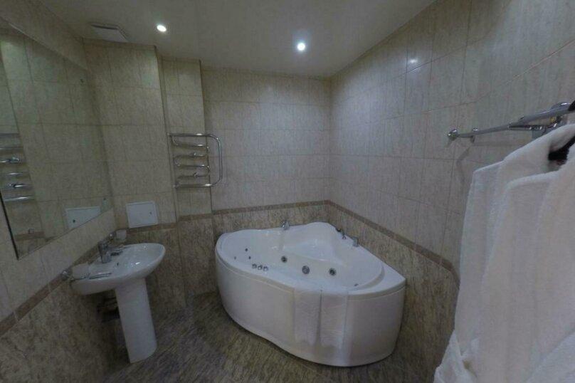 431 номер люкс 2х комнатный 2х местный, улица Когония, 63, Сухум - Фотография 3