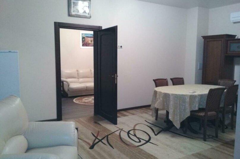 411 номер люкс 2х комнатный 2х местный, улица Когония, 63, Сухум - Фотография 13